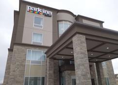 Park Inn by Radisson Brampton, ON - Brampton - Edifício
