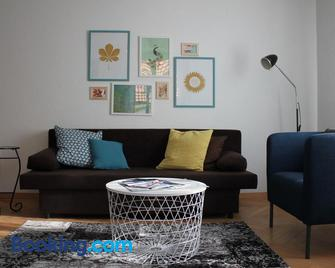 Appartement Douc'heures - Le Locle - Living room