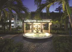 La Quinta Inn & Suites by Wyndham Coral Springs South - Coral Springs - Edificio