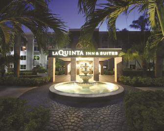 La Quinta Inn & Suites by Wyndham Coral Springs South - Coral Springs - Gebäude