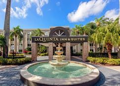 La Quinta Inn & Suites by Wyndham Coral Springs South - Coral Springs - Edificio