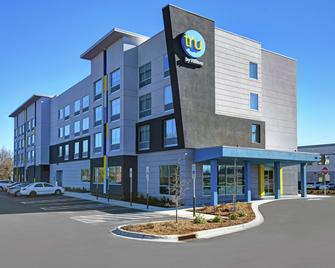 Tru by Hilton Burlington - Burlington - Building