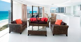 Breakfree Longbeach Surfers Paradise - Surfers Paradise - Living room