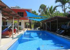 Turtle Beach House - Bocas del Toro - Pool