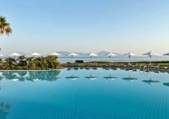 Neptune Hotels Resort, Convention Centre & Spa - Mastichari - Pool