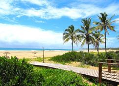 Barra Beach Club - Иньямбане