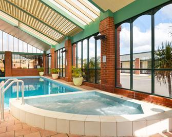 All Seasons Resort Hotel Bendigo - Bendigo - Pool