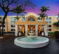 La Quinta Inn & Suites by Wyndham Fort Lauderdale Tamarac