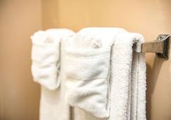 Suburban Extended Stay Hotel Charlotte-Ballantyne - Σάρλοτ - Παροχές δωματίου