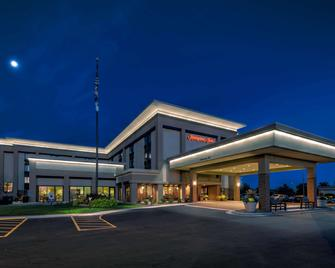 Hampton Inn Milwaukee-Brookfield - Brookfield - Building