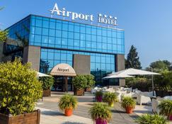 Airport Hotel - Bagnatica - Bangunan
