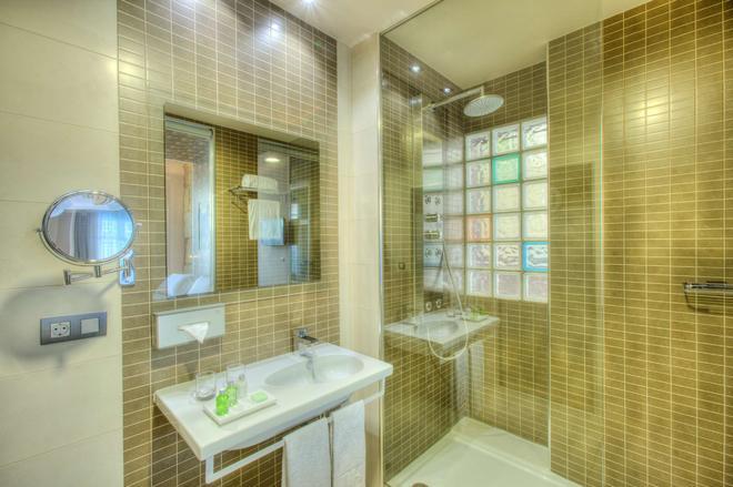 NH Ourense - Orense - Salle de bain