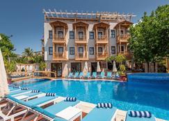 Elixir Boutique Hotel - Kalkan - Pool