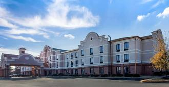 Comfort Inn & Suites Airport-American Way - Memphis