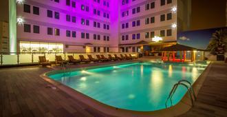 Elite Crystal Hotel - Manama - Piscina