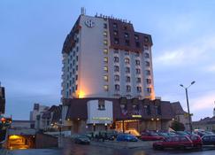Continental Forum Tirgu Mures - Neumarkt am Mieresch - Gebäude