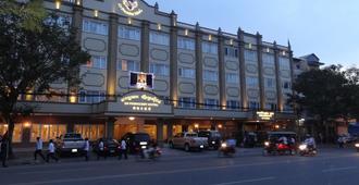 Le President Hotel - Nom Pen