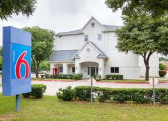 Motel 6 Grand Prairie Tx - Grand Prairie - Rakennus