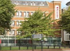 Ramada Hounslow - Heathrow East - Hounslow - Edificio