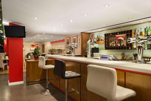 Ramada Hounslow - Heathrow East - Hounslow - Bar