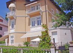 Guest House Villa Dagmar - Crikvenica - Building