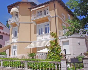 Guest House Villa Dagmar - Цриквениця - Building
