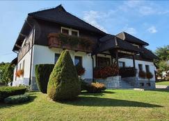 Villa Knezevic - Plitvicka Jezera - Rakennus