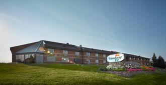 Travelway Inn Sudbury - סאדברי (אונטריו)