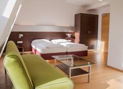 Hotel Schwarzer Bär - Linz - Makuuhuone