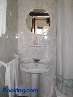 Pension K-Hito - Santiago de la Ribera - Bathroom