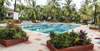 Shikara Beach Resort - Cavelossim - Pool
