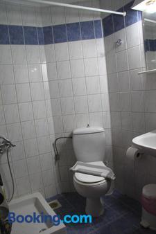 Hotel Danaos - Chania Town - Phòng tắm