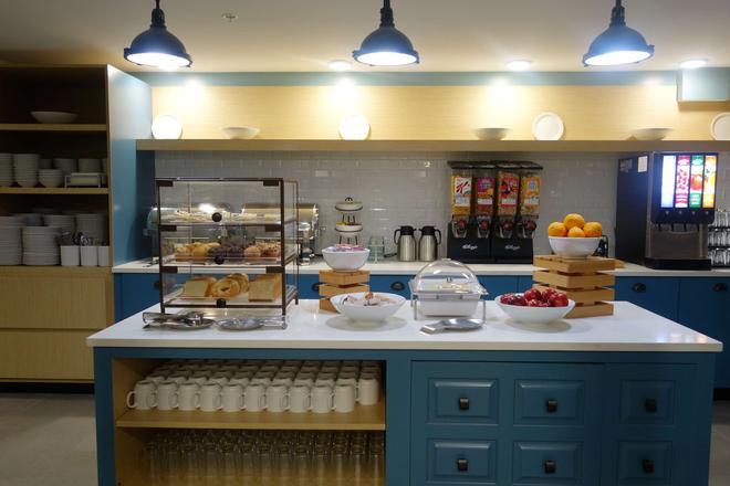 斯莫基沙多斯汽車旅館和會議中心 - 皮格佛格 - 鴿子谷 - 自助餐