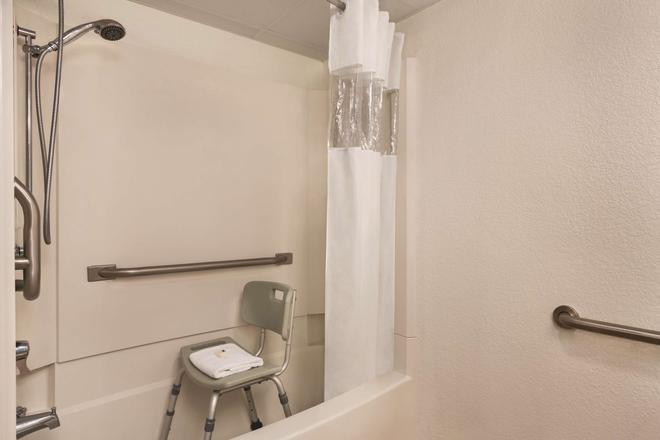 斯莫基沙多斯汽車旅館和會議中心 - 皮格佛格 - 鴿子谷 - 浴室