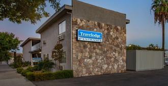 Travelodge by Wyndham Fresno Yosemite Area - Fresno - Edificio