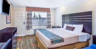 Travelodge by Wyndham Fresno Yosemite Area - Fresno - Bedroom