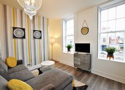 The Queensdale - yourapartment - Bristol - Living room