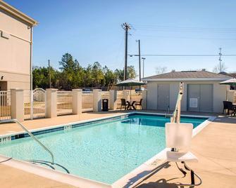 Sleep Inn & Suites near Liberty Place I-65 - Evergreen - Pool