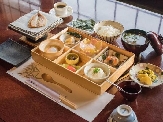 Makibanoie - Yufu - Φαγητό