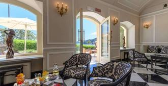 尹朋里阿雷皇宮酒店 - 聖塔馬爾吉利塔利古瑞 - 聖瑪格麗塔-利古雷 - 客廳