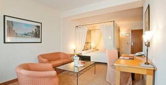 Hotel Barbarossa - Düsseldorf - Habitación