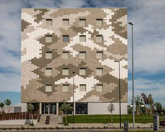 Hotel The Cube - Fidenza - Building