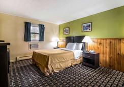 Rodeway Inn - Rutland - Bedroom