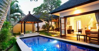 The Bidadari Villas And Spa - North Kuta - Piscina