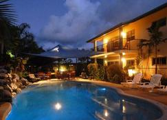Mission Reef Resort - Mission Beach - Pool