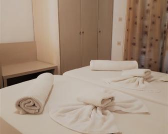 Sophie Studios - Roda - Bedroom
