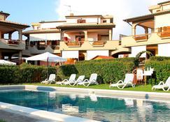 Follonica Apartments - Follonica - Piscine