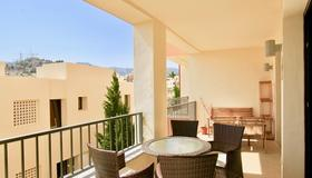 Samara 3 - Modern 2br In Samara Resort Marbella, Indoor And Outdoor Pools, Spa - Marbella - Balcon