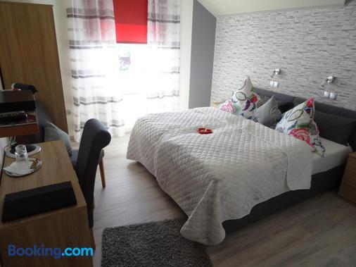 Pension Und Apartment Landhaus Fricke - Calden - Bedroom