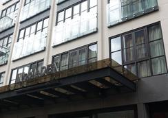 NobleDEN Hotel - New York - Building